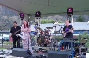 The Wild Onions ~ Apricot Festival ~ Street Dance ~ July 2014